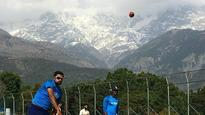 WATCH: IndVsAus: Kohli seen practicing at Dharamshala; will he play final Test?