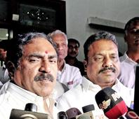 Another blow to TDP as Errabelli, Prakash Goud cross over to TRS