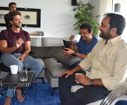 Super 30's Anand Kumar meets Hrithik