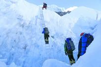 Mountaineers set for final push to Everest peak