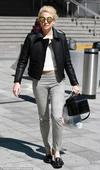 Pixie Lott steps out in mirrored sunglasses before Breakfast At Tiffany's performance