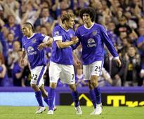 Everton yet to receive Fellaini bids