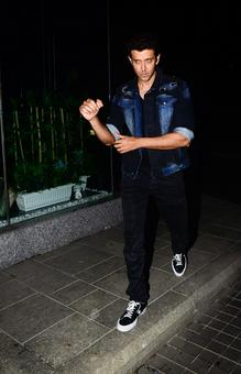 PIX: Hrithik, Sussanne, Zayed party together