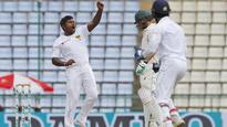 Australia need 185 on fifth day, SL seven wickets