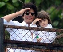 Shah Rukh Khan: AbRam wants to be part of every picture my fans take with me