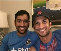 Sushant Singh Rajput takes selfie with MS Dhoni at India-Pakistan match
