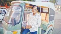 Remember Master Aslam, the rickshaw driver with killer vocals?