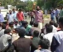 DYFI protest against curtail of MGNREGA fund for Tripura