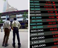Nifty holds 8,500 amid choppy trades; Axis Bank dips 2% on weak Q1 nos
