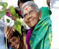 Women take up selfie challenge to green areas
