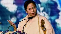 Demonetisation a crisis not seen even during Emergency: Mamata in Delhi