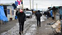France: Calais jungle migrants clash with police