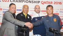 Confident Qatar take on China in opener From left: Muhammad Alfakeer, coach of Syria, Mohammad Khakpour of Iran, Fel...
