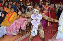 Abu Dhabi: ADKS confers Da Ra Bendre Award upon Shekhar Shettigar during Rajyotsava