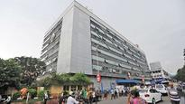 No parking next to South Mumbai railway stations