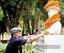 Piyush Mishra's shayari enthralls Shaheed Bhagat Singh College