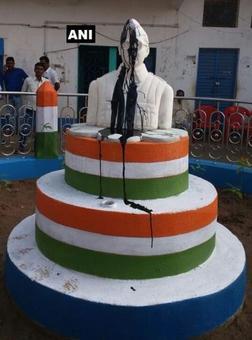 In Netaji's Bengal, a vandalisation