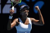 Venus advances, Kuznetsova out