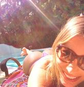 Sofia Vergara Shows Some Skin On Twitter [Photos]