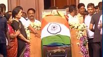 Jayalalithaa death: Rahul Gandhi, Ghulam Nabi Azad to attend funeral