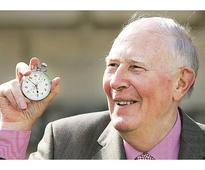 British athletics great Roger Bannister dies at 88