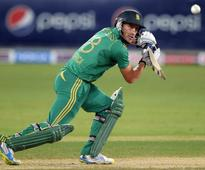 Determined 50 for Faf in a record-equalling top-order display