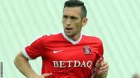 Andrew Crofts: Charlton Athletic sign ex-Brighton midfielder