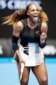 Australian Open: Serena sizzles, Stosur fizzles