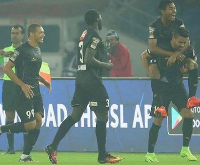 Sports Shorts: NorthEast United beat Delhi Dynamos; Atwal leads