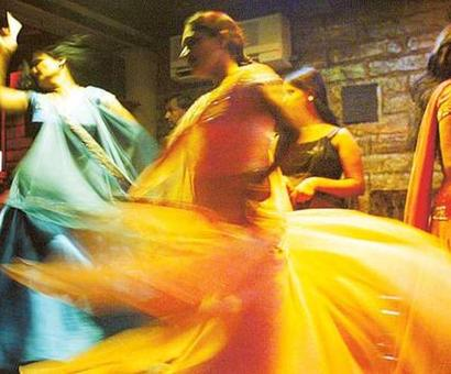 Dance bars: SC issues notice to Maha government, expects reply in 6 weeks