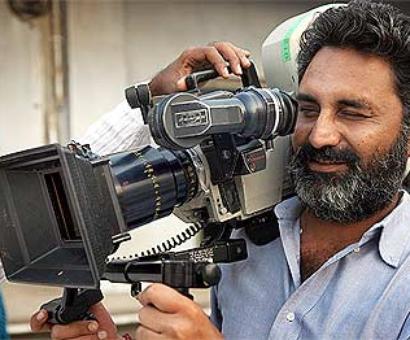 HC frees 'Peepli Live' co-director Farooqui in rape case