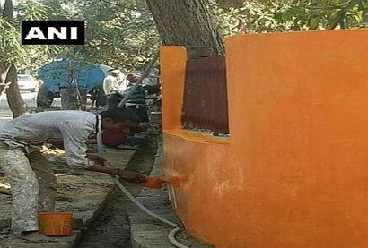 Now, another police station in Lucknow goes saffron