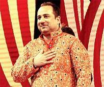 Rahat Fateh Ali Khan thanks Amdavadis f... Rahat Fateh Ali Khan thanks Amdavadis for warm welcome