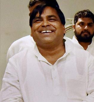 HC stays bail granted to Prajapati in rape case