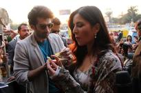 Aditya Roy Kapur, Katrina relish the delicacy of Ahmedabad