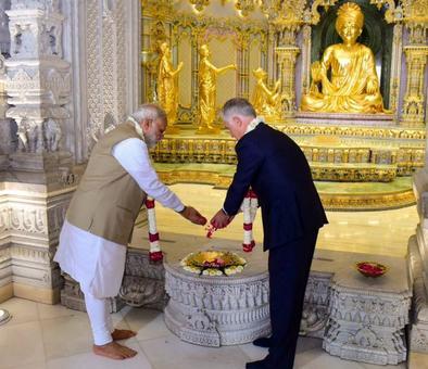 From Rashtrapati Bhavan to Akshardham: PM takes Turnbull on Delhi Darshan