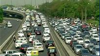 Delhi: Traffic woes for commuters as taxi drivers protest diesel cab ban
