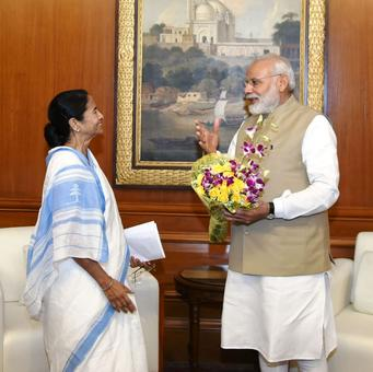 Mamata-Modi one-on-one ends, CM says PM will consider her demands