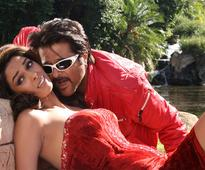 Anil Kapoor jumps to the rescue