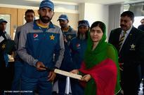 Nobel Prize Winner Malala Yousafzai met Pakistan cricket team at Edgbaston