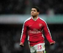 Denilson parts ways with Arsenal