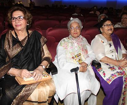 PIX: Helen, Dharmendra attend Bimal Roy retrospective