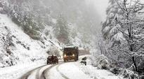 Mountainous districts of Jammu receive heavy snowfall