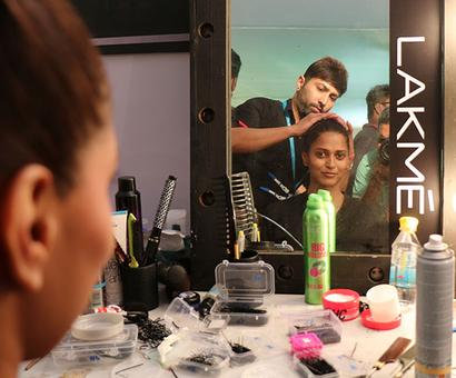 LFW Backstage: Dreamy eyes and a lost world