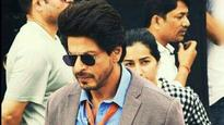 Watch Video: SRK responds to Anushka Sharma's complaint in style!