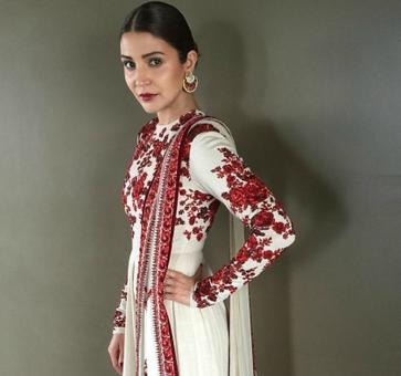 Who dresses bride Anushka Sharma the best?