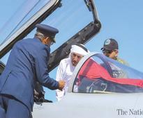 Pak, Qatar PMs see display of JF-17, Super Mushshak