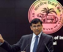 Rajan keeps monetary policy unchanged at his last meeting as RBI chief