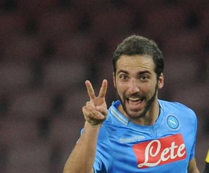 Higuain joins Juventus from Napoli in third biggest transfer ever