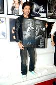 Shah Rukh Khan, Varun Dhawan, Kriti Sanon,…
